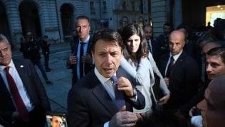 """Manovra, Conte: """"Non può essere stravolta in Parlamento"""". La lettera Ue all'Italia: """"Chiarire su riduzione debito"""""""