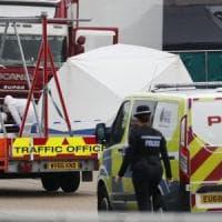 Inghilterra, 39 cadaveri trovati nel container di un Tir proveniente dalla Bulgaria