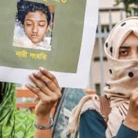 Bangladesh, bruciata viva dopo la denuncia di abusi sessuali: 16 condanne a morte