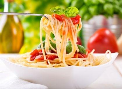 Il 25 ottobre si celebra il World Pasta Day, tra spaghetti al pomodoro e ricette alternative