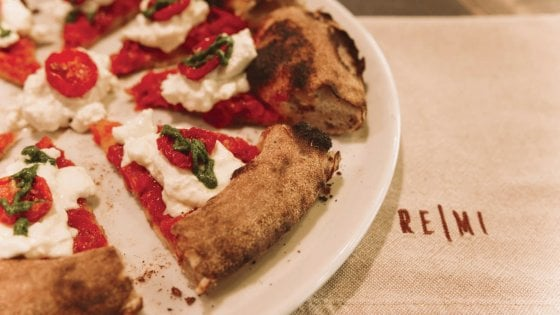 Tra impasti, Mediterraneo e colore: la  pizzeria ReMi a Sassari