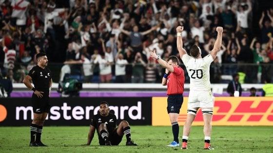 Rugby, Mondiali: impresa Inghilterra, batte gli All Blacks e vola in finale