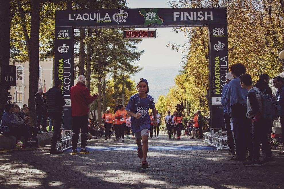 Mezza maratona a L'Aquila, le immagini di una festa