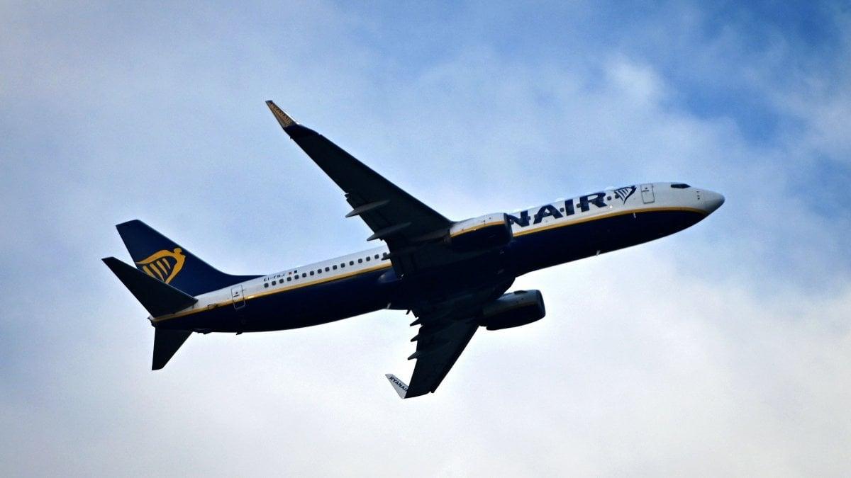 Ryanair e Wizz Air, Tar annulla le sanzioni Antitrust sui bagagli a mano