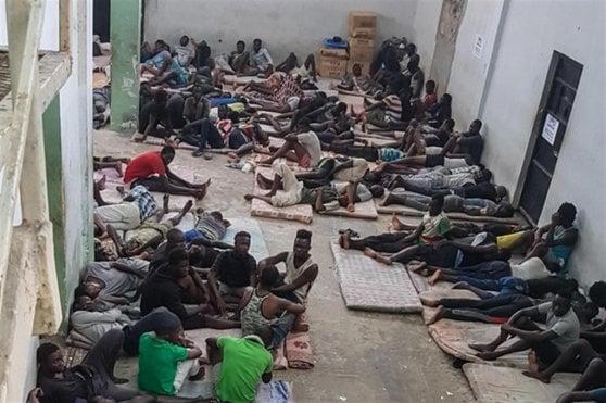 """Di Maio: """"Gli accordi con la Libia migliorabili ma vanno rinnovati"""". Deputati Pd, Leu e Iv: """"Sospendere intese"""""""