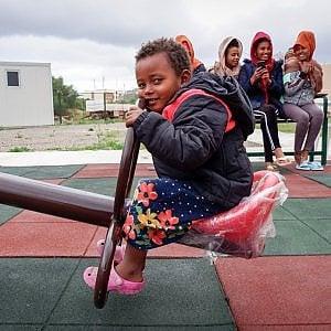Libia, l'emergenza continua: tutti i rifugi possibili per i profughi liberati dalle galere sono stracolmi