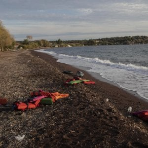 Corpi di due migranti recuperati in mare Sardegna