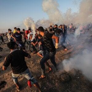 Raid aerei di Israele su Gaza: morto un palestinese, due feriti