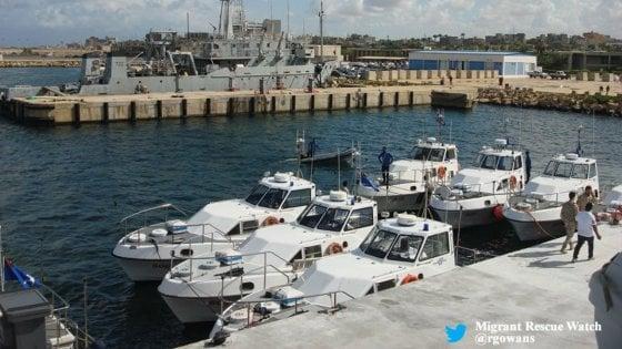 Libia, festa della Marina: l'Italia consegna dieci nuove motovedette