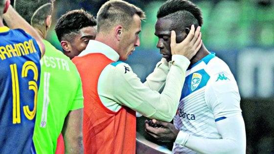 """Cori contro Balotelli, il capo ultrà  del Verona: """"Lui non sarà mai del tutto italiano. Non siamo razzisti, abbiamo un negro in squadra"""""""
