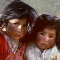Bolivia, tra focolai di tensione sociale e fenomeni diffusi di infanzia abbandonata
