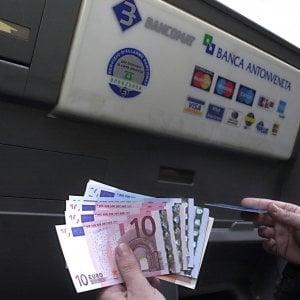 Italiani e risparmio: il 30 per cento non sa cosa sia un'azione