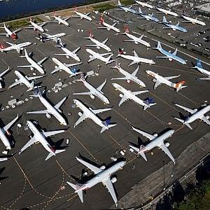 I Boeing 737 Max fermi a Seattle