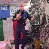 """Iss, Luca Parmitano e Sergio Mattarella, la """"telefonata"""" dallo spazio"""