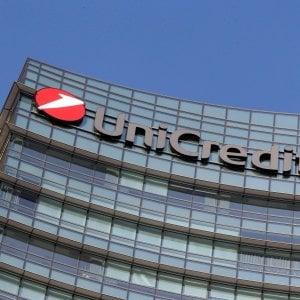 Unicredit, il mercato festeggia i conti trimestrali e l'addio a Mediobanca