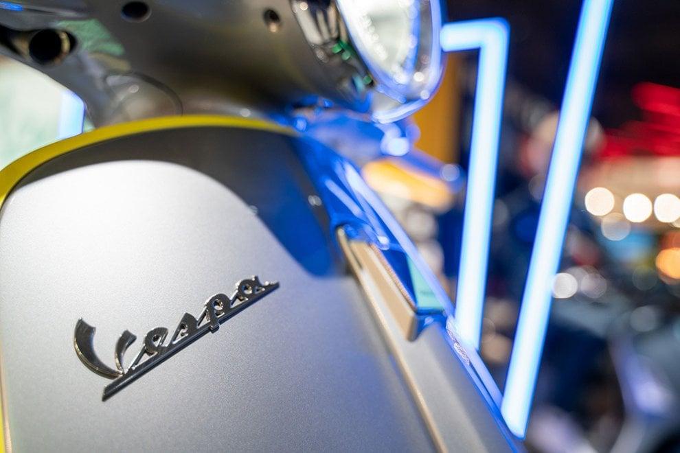 Vespa show a Eicma