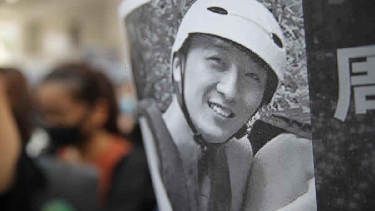 Hong Kong, morto studente 22enne caduto da parcheggio durante manifestazioni