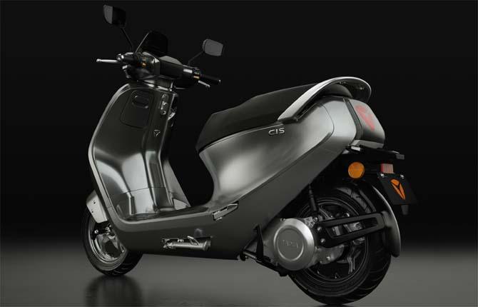 Yadea C1S, scooter vintage 100% elettrico