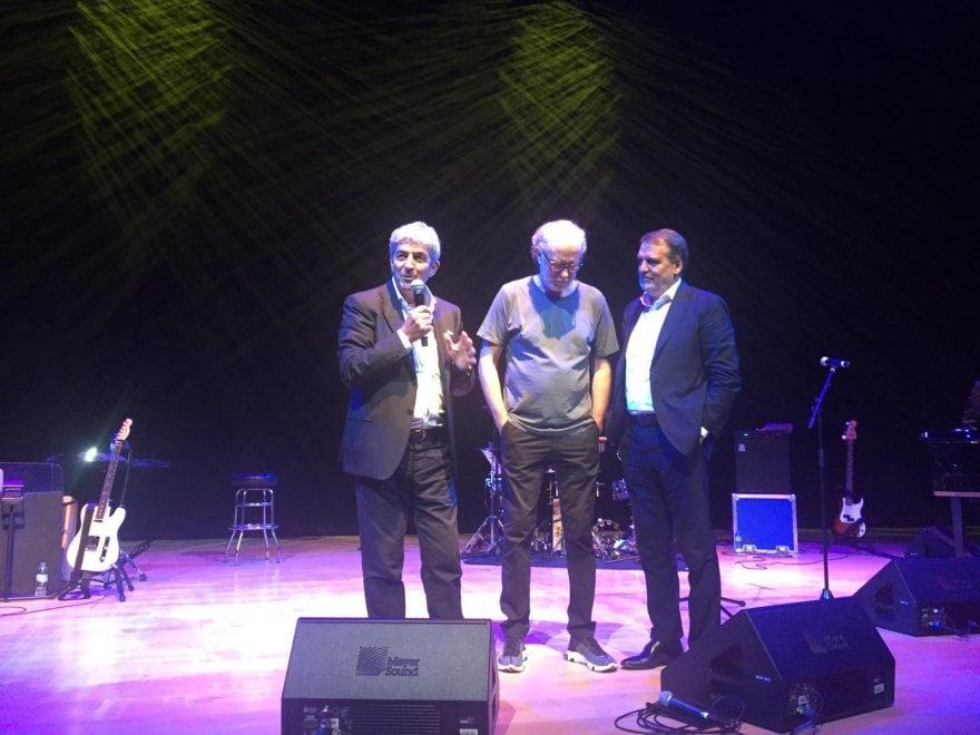De Gregori canta con Tardelli e Rossi ad Abu Dhabi