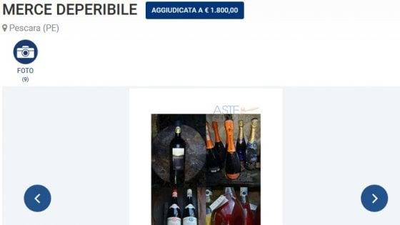 """Rigopiano, champagne e mobili: all'asta i beni dell'hotel salvati dalla valanga. I parenti delle vittime: """"Macabro brindisi"""""""