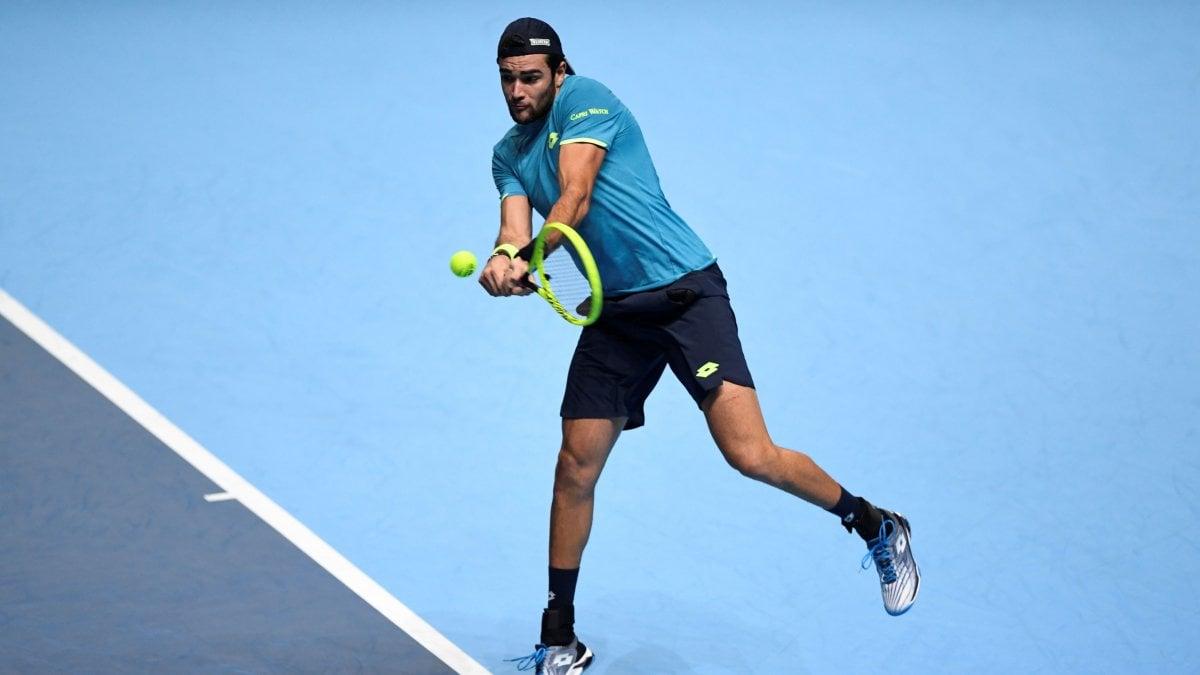 Tennis, Atp Finals: esordio amaro per Berrettini, travolto da Djokovic. Perde anche Federer