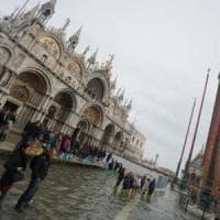 Venezia, in arrivo l'acqua alta a livelli record
