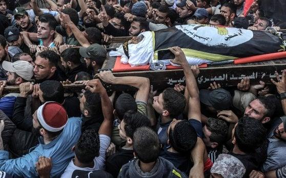 Israele riprende gli omicidi mirati: uccisi Al Ata e Al Ajour. Pioggia di razzi dalla Striscia di Gaza, allarme a Tel Aviv