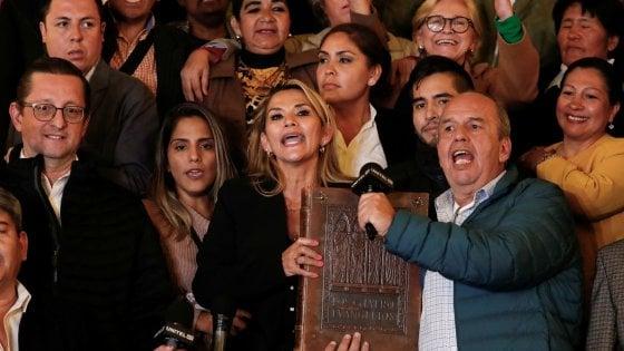 Bolivia, Anez presidente anche senza quorum in Parlamento