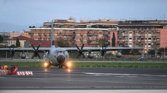 """Attentato in Iraq, rientrati in Italia i militari feriti. Di Maio: """"Orgogliosi del loro coraggio"""""""