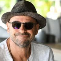 """Polinesia, il fondatore del Cirque du Soleil arrestato per droga: """"Coltiva marijuana nel..."""