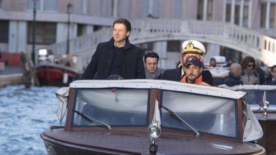 Acqua alta a Venezia, Conte: 5mila euro ai privati e 20mila agli esercenti. Per il Mose Spitz supercommissaria