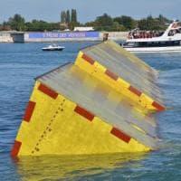 Acqua alta a Venezia, allarme per nuova piena. Il governo stanzia 20 milioni