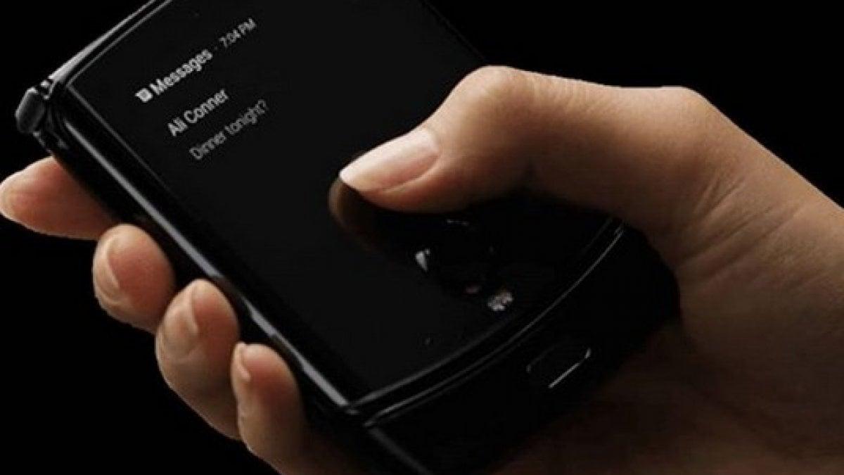 Motorola Razr: il ritorno del telefonino
