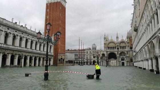 Venezia, allerta meteo fino a domenica. Aperto un conto corrente per le donazioni dall'Italia e dall'estero