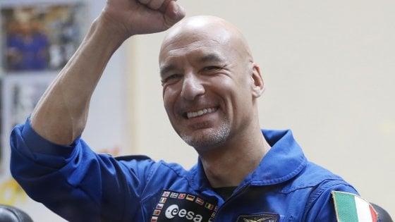 Iss, la prima passeggiata spaziale di Luca Parmitano per modificare l'Ams