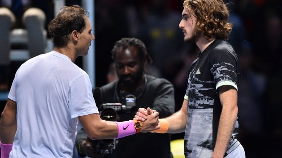 Tennis, Atp Finals: Nadal rimonta Tsitsipas ma non basta. In semifinale va Zverev