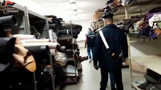 Quelle fabbriche di invisibili che fanno ricca la nostra mod
