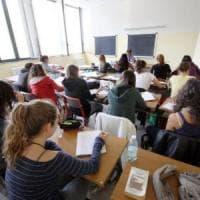 Scuola, ai prof 65 euro di aumento in busta paga