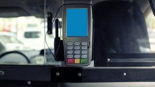 Taxi, commissioni esorbitanti a chi paga con carta. Segnalateci la vostra esperienza