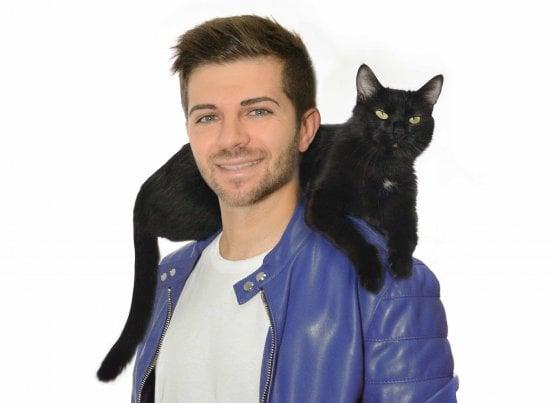 """'Fatti i gatti tuoi', il libro di Federico Santaiti: """"La mia vita stravolta da una gatta nera"""""""