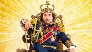 """Antonio Albanese: """"Cetto re è paradossale ma la realtà supera ogni forma di comicità"""""""