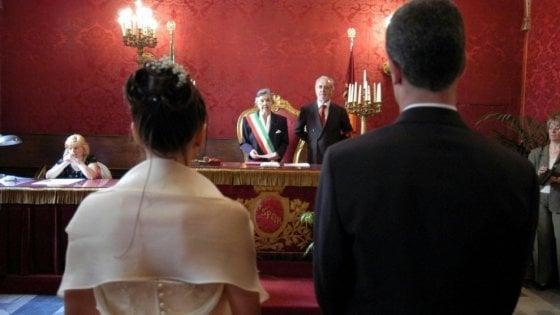 Matrimoni, sorpasso storico: il rito civile supera quello religioso