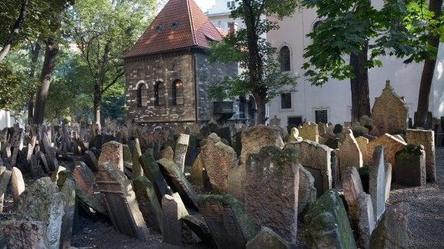 Così Praga restituisce le pietre della Memoria