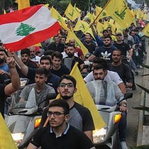 Libano, i prezzi aumentano, gli stipendi diminuiscono, le merci scarseggiano e le proteste di piazza continuano