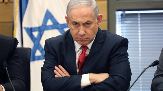 """Israele, Netanyahu incriminato per corruzione: """"Contro di me un golpe"""""""