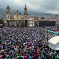 Colombia, centinaia di migliaia di persone in piazza contro il presidente Duque