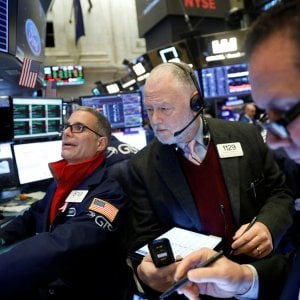Borse europee in cauto rialzo, risale lo spread