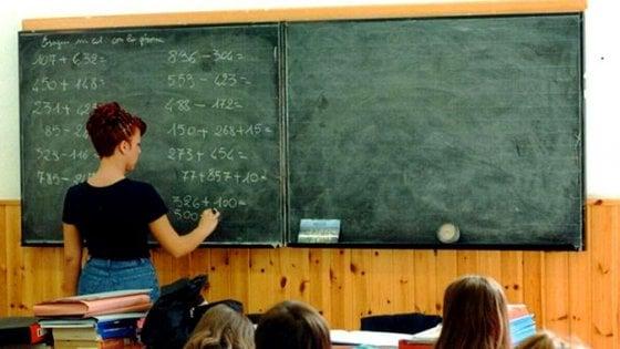 Scuola, altri novemila posti per i docenti