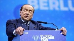 Berlusconi cade a Zagabria al vertice del Ppe, ricoverato a Milano