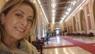 Giorgia Meloni accusa i 5stelle di assenteismo ma sbaglia piano